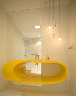 (2014) Residência Barra da Tijuca: Banheiros modernos por Escritório Ana Meirelles
