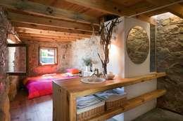 Dormitorios de estilo rústico por pedro quintela studio