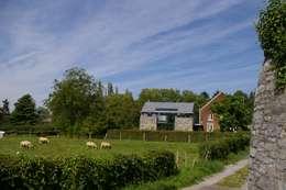 Maison lumineuse et écologique. : Maisons de style de stile Rural par ARTERRA