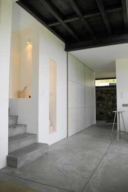 Коридоры, прихожие, лестницы в . Автор – ARTERRA