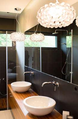 moderne Badkamer door anna jaje