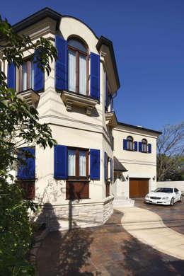Maisons de style de style Méditerranéen par SANKAIDO | 株式会社 参會堂