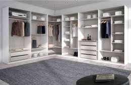 Dormitorios de estilo  por MUEBLES LOS LEONES 2