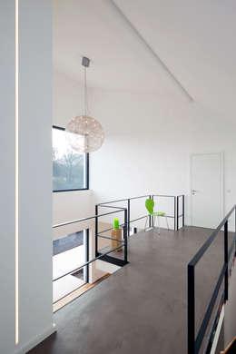modern Corridor, hallway & stairs by SCHAMP & SCHMALÖER