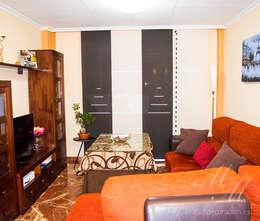 Salon de style de style Moderne par Manuel Molina Decoración S.L.U.