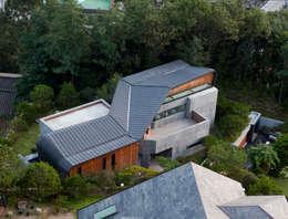Projekty, nowoczesne Domy zaprojektowane przez 'Snow AIDe