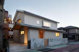 Casas de estilo escandinavo de アトリエ スピノザ