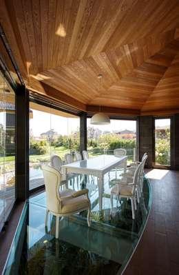 Беседкав п.Гринфилд: Столовые комнаты в . Автор – ARCHDUET&DA