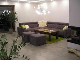Nowoczesny dom LIV 3 G2 - przytulnie i pięknie!: styl , w kategorii Salon zaprojektowany przez Pracownia Projektowa ARCHIPELAG