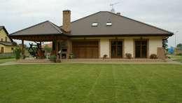 Dom Seweryna G2 - zachwycający styl, piękne wole oczy i komfortowa przestrzeń możliwości! : styl klasyczne, w kategorii Domy zaprojektowany przez Pracownia Projektowa ARCHIPELAG