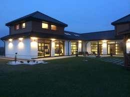 Dom Dionizy (mały) G2 - efektowny, elegancki i bardzo przytulny : styl nowoczesne, w kategorii Domy zaprojektowany przez Pracownia Projektowa ARCHIPELAG