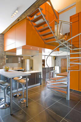 Pasillos y recibidores de estilo  por VORTEX atelier d'architecture