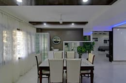 Dinning Room: eclectic Dining room by KREATIVE HOUSE