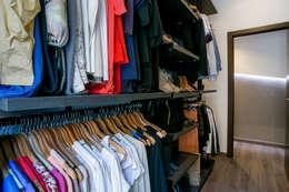 modern Dressing room by Empresa constructora en Madrid