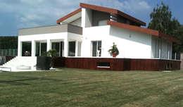 Maisons de style de style Moderne par ADquadro