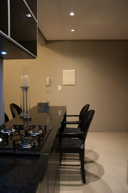 minimalistic Dining room by arquiteta aclaene de mello