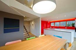 Maison passive Servais - Van de Veken: Cuisine de style de style Minimaliste par artau architectures