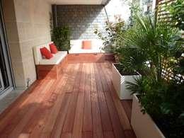Jardinières sur mesure en métal Thermolaqué: Balcon, Veranda & Terrasse de style de style Moderne par Fence Paris