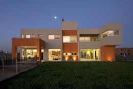 Casa M: Casas de estilo moderno por Estudio PM