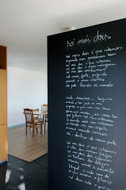 Corridor & hallway by crónicas do habitar
