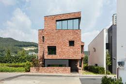 moderne Huizen door aandd architecture and design lab.