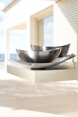 Salas de estilo moderno por nicolai fuhrmann product design