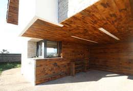 Maisons de style de style Rustique par R. Borja Alvarez. Arquitecto
