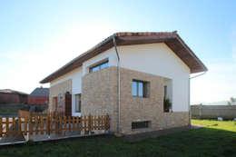 R. Borja Alvarez. Arquitecto의  주택