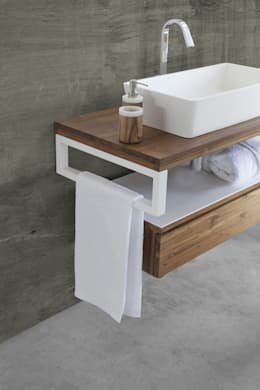 The Essenza - CIPI' DESIGN: Bagno in stile in stile Tropicale di Ceramiche Addeo
