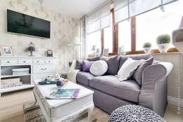 Livings de estilo ecléctico por DreamHouse.info.pl