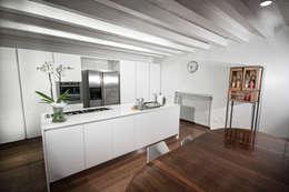 Projekty,  Kuchnia zaprojektowane przez Laboratorio