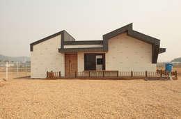 Projekty, nowoczesne Domy zaprojektowane przez 집스터디 건축 스튜디오_JIP STUDY ARCHITECTS STUDIO