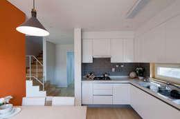 moderne Keuken door 리슈건축