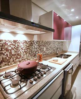 Cocinas de estilo moderno por MeyerCortez arquitetura & design