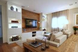 Salas de estilo moderno por MeyerCortez arquitetura & design