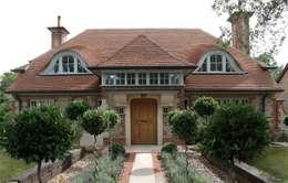 Projekty, klasyczne Domy zaprojektowane przez The Wood Window Alliance