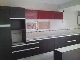 minimalistic Kitchen by Sql Amoblamientos de Cocina