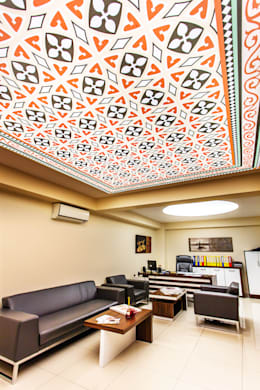 Internova Stretch Ceiling & 3d Flooring  – Stretch Ceiling: rustik tarz tarz Oturma Odası