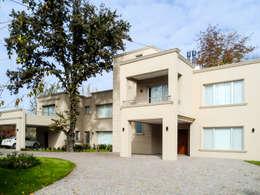 Projekty, nowoczesne Domy zaprojektowane przez Carbone Fernandez Arquitectos