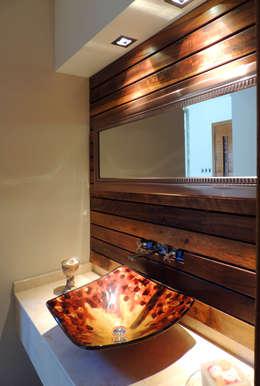 Baños de estilo moderno por Carbone Fernandez Arquitectos
