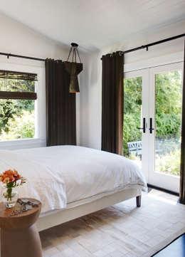 Antonio Martins Interior Design Inc: eklektik tarz tarz Yatak Odası