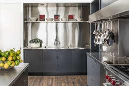 moderne Keuken door Antonio Martins Interior Design Inc