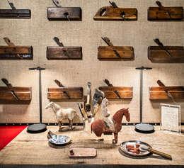 Antonio Martins Interior Design Inc의  침실