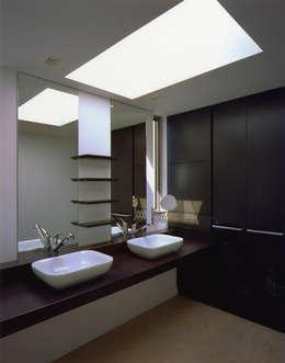 Projekty,  Łazienka zaprojektowane przez Architect Show co.,Ltd