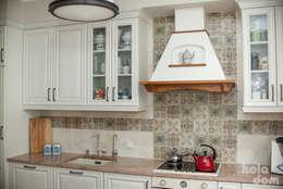 Cocinas de estilo rústico por HOLADOM Ewa Korolczuk Studio Architektury i Wnętrz