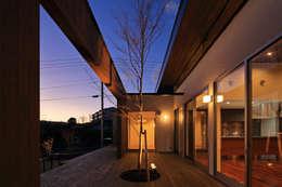 Projekty,  Ogród zaprojektowane przez 猪股浩介建築設計 Kosuke InomataARHITECTURE