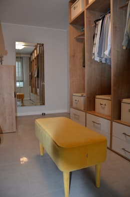 Dom w Piórkowie: styl , w kategorii Garderoba zaprojektowany przez Studio Projekt