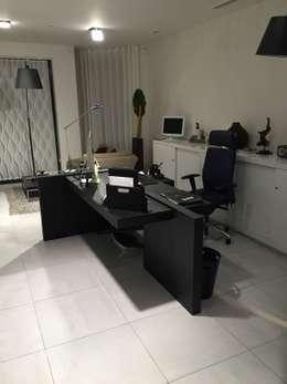 Accueil Banitti: Bureau de style de style Moderne par LUSIARTE