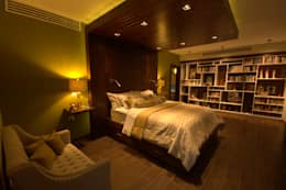 eclectic Bedroom by Lo Interior