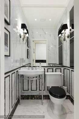 klasieke Badkamer door Ольга Кулекина - New Interior